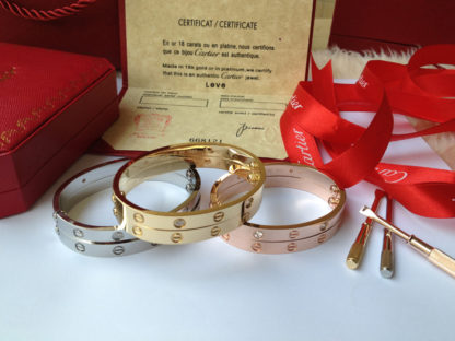 rose gold, yellow gold, white gold Cartier love bracelet 4 diamonds and without diamonds