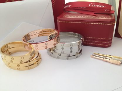 Cartier 4 diamonds and without diamonds love bracelet rose gold, yellow gold, white gold
