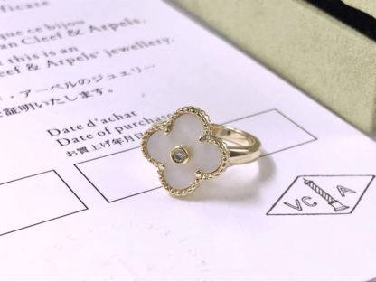 Vintage Alhambra ring Mother-of-pearl yellow gold
